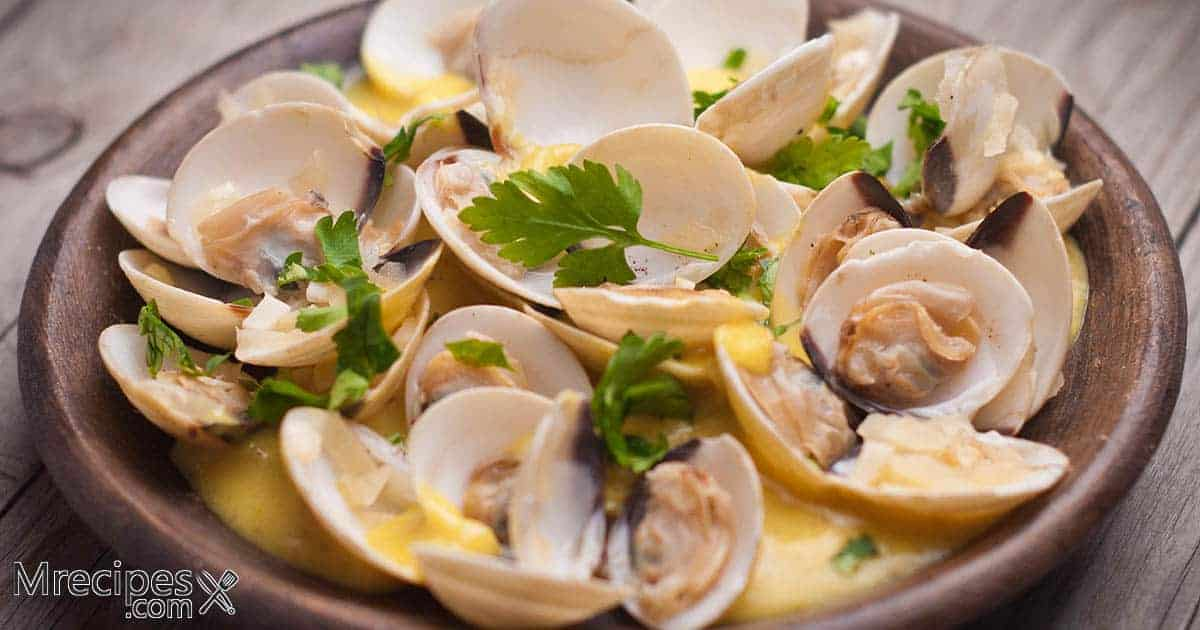 Smoked Clams with Butter, Wine, and Lemon Sauce in a Masterbuilt Smoker Recipe