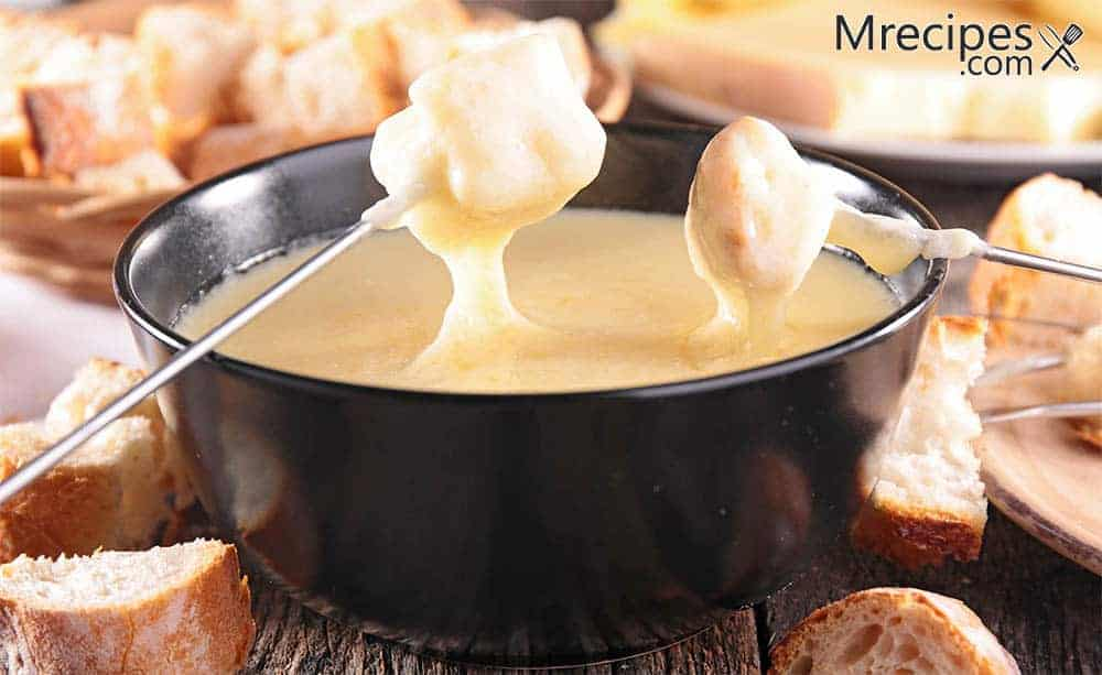 Smoked cheese fondue